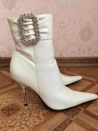 96f8a1bfd Белые сапоги Киев – купить женскую и мужскую обувь на доске ...