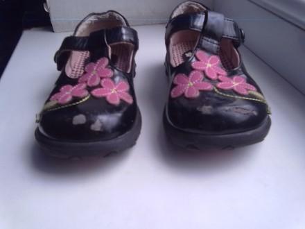 Лаковые туфельки р.25 + 2 подарка. Київ. фото 1