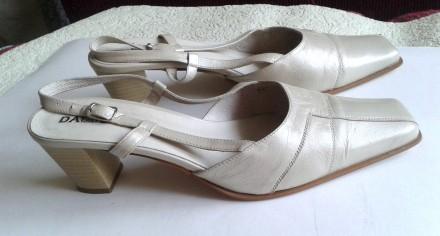 Туфли женские летние бежевые босоножки из натуральной кожи 42 размер. Запорожье. фото 1