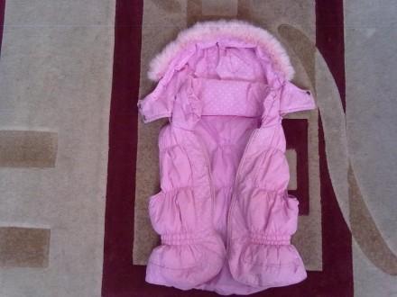 Розовое пальтишко с жилеткой, на жилетке не работает молния, рукав-50 см, длина . Киев, Киевская область. фото 6