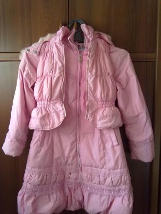 Розовое пальтишко с жилеткой, на жилетке не работает молния, рукав-50 см, длина . Киев, Киевская область. фото 7