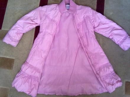 Розовое пальтишко с жилеткой, на жилетке не работает молния, рукав-50 см, длина . Киев, Киевская область. фото 4