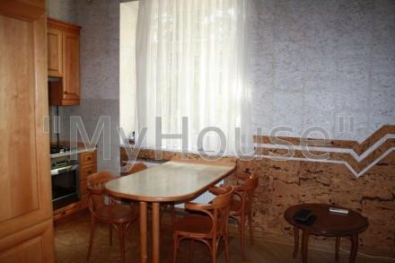 Сдается на длительный срок двухкомнатная квартира (56 кв. м.), 2 этаж 5-ти этажн. Печерск, Киев, Киевская область. фото 6