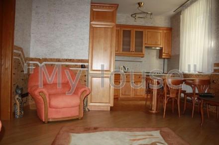 Сдается на длительный срок двухкомнатная квартира (56 кв. м.), 2 этаж 5-ти этажн. Печерск, Киев, Киевская область. фото 2