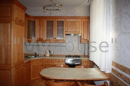 Сдается на длительный срок двухкомнатная квартира (56 кв. м.), 2 этаж 5-ти этажн. Печерск, Киев, Киевская область. фото 8