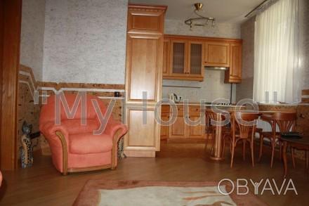 Сдается на длительный срок двухкомнатная квартира (56 кв. м.), 2 этаж 5-ти этажн. Печерск, Киев, Киевская область. фото 1
