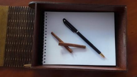 Коробка ручной работы. С кожаным переплетом. Внутри проклеен черный фетр. Внутрь. Одесса, Одесская область. фото 7