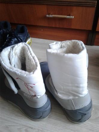 Зимові чобітки для дівчинки дуже міцний низ всередині штучне хутро міцна защіпка. Стрый, Львовская область. фото 3