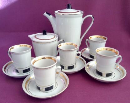 Сервиз кофейный *Стильный*.  Фарфор. Позолота, краска. 12 предметов.. Одесса. фото 1