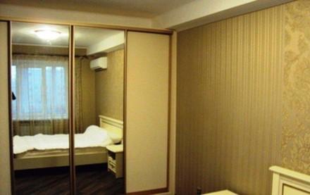 Квартира после дизайнерского ремонта, современная мебель, спальный гарнитур, 2 ш. Киев, Киевская область. фото 2