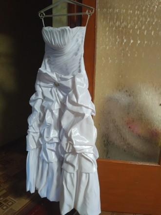 Красивое свадебное платье, недорого. Одевалось один раз, не венчаное. Все вопрос. Киев, Киевская область. фото 3