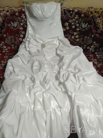 Красивое свадебное платье, недорого. Одевалось один раз, не венчаное. Все вопрос. Киев, Киевская область. фото 1