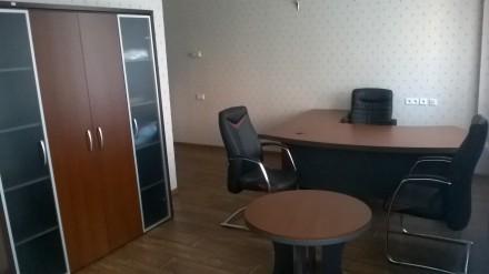 Мебель б.у. в хорошем состоянии Кабинет характеризуется плавными формами, отлич. Киев, Киевская область. фото 2