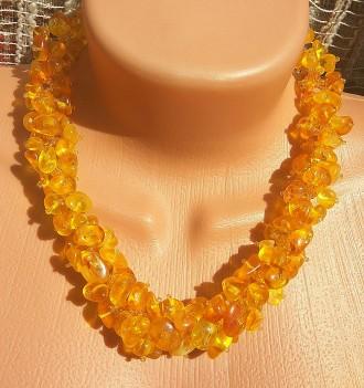 Роскошное янтарное ожерелье, бусы из натурального цельного светлого янтаря. Ровно. фото 1