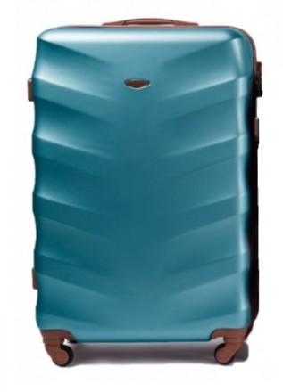 Чемодан новый, была трещина с фабрики при транспортировке - чемодан восстановлен. Киев, Киевская область. фото 2