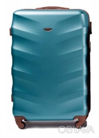 Чемодан новый, была трещина с фабрики при транспортировке - чемодан восстановлен. Киев, Киевская область. фото 1
