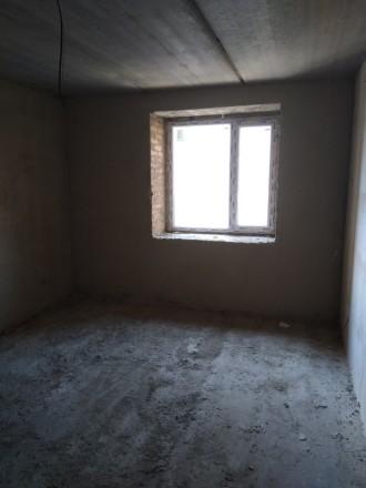 3 секція. 2 балкона з кухні та з кімнати. Кімнати 18 та 19 кв.м, є гардеробна 3 . Винница, Винницкая область. фото 3