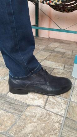 Нові шкіряні чоловічі туфлі.. колір мокрий синій.. дуже зручні.. не підійшов роз. Умань, Черкасская область. фото 6