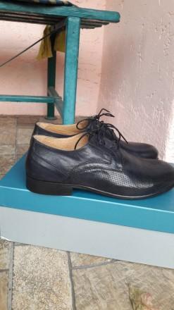 Нові шкіряні чоловічі туфлі.. колір мокрий синій.. дуже зручні.. не підійшов роз. Умань, Черкасская область. фото 5