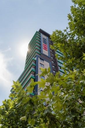 Трехкомнатная квартира в новострое на Миронова, 7 этаж, всего 21 этаж.  Автоно. Центр, Дніпро, Днепропетровская область. фото 8