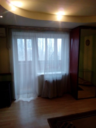 Квартира находится на пл.Фестивальной,в квартире сделан ремонт, есть вся бытовая. Вознесеновский, Запорожье, Запорожская область. фото 5