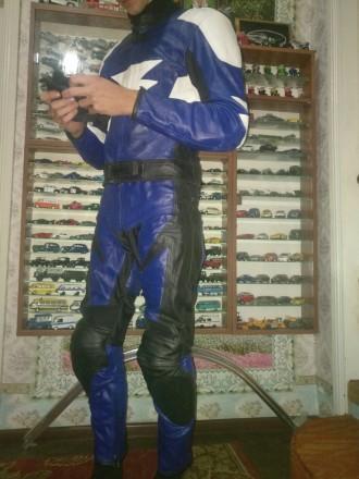 Кожанный мотокомбинезон. Экиперовка, мото куртка и штаны размер M. Фастов. фото 1