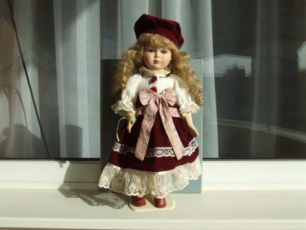 Фарфоровая Колекционная Германская кукла № 724 В раз.45х15см. состояние Люкс + п. Ужгород. фото 1