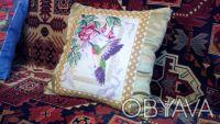 Декоративные подушки. Колибри 1. Рисунок-ручная вышивка.. Киев. фото 1