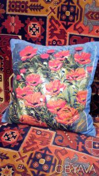 Декоративные подушки. Маки. Рисунок-ручная вышивка.. Киев. фото 1