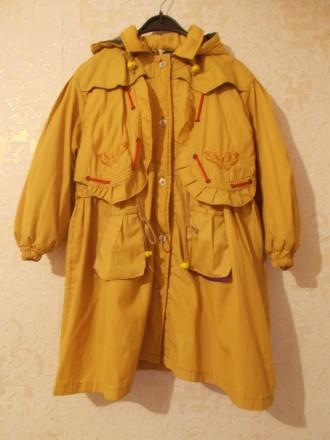 Детское пальто на пуговицах горчичного цвета. Мелитополь. фото 1