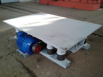 Вибротумба ВТ-5 для уплотнения бетона в металлоформах. Чернигов. фото 1