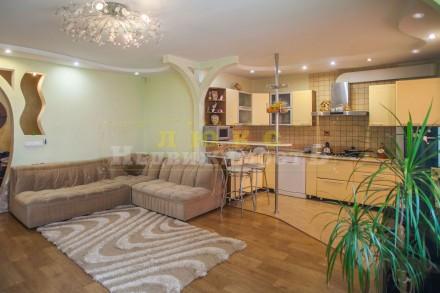 Продам четырехкомнатную квартиру ул. Нищинского Двухуровневая квартира в доме и. Центральный, Одесса, Одесская область. фото 2