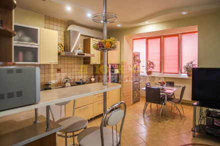 Продам четырехкомнатную квартиру ул. Нищинского Двухуровневая квартира в доме и. Центральный, Одесса, Одесская область. фото 7