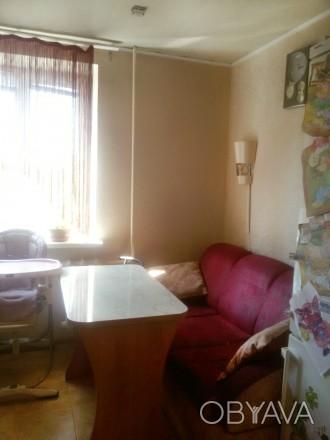 Квартира не угловая,комнаты раздельные,состояние отличное,остается мебель,бытова. Кировский, Донецк, Донецкая область. фото 1