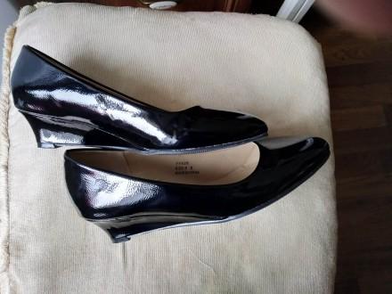 Продам новые нарядные туфли на полную ногу. Классическая лодочка. Подойдет как к. Киев, Киевская область. фото 4