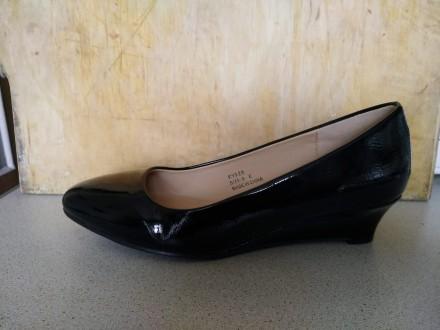 Продам новые нарядные туфли на полную ногу. Классическая лодочка. Подойдет как к. Киев, Киевская область. фото 5