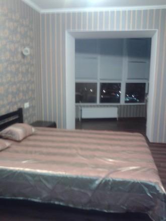 Сдам уютную просторную квартиру в новом доме с мебелью,техникой на длительно.800. Поселок Котовского, Одесса, Одесская область. фото 4