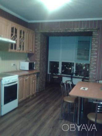 Сдам уютную просторную квартиру в новом доме с мебелью,техникой на длительно.800. Поселок Котовского, Одесса, Одесская область. фото 1