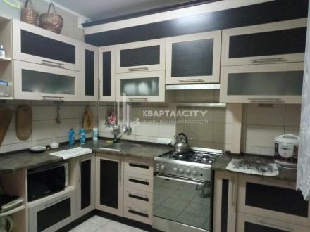 Продам просторную квартиру в спальном районе. Чернигов. фото 1