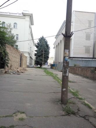 Сталинка в Центре, возле Пощади Свободы. Угловая, с автономным отоплением - 2х к. Центр, Херсон, Херсонская область. фото 3