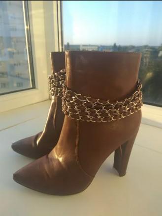 Стильные коричневые полусапожки на каблуке 38 размера Centro/ботинки. Житомир. фото 1