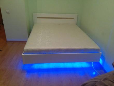 Елегантне ліжко