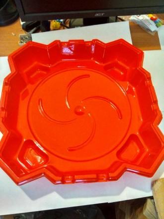 Бейблейд Арена квадратная, фигурная с ловушками из пластика 1 мм толщина. Днепр. фото 1