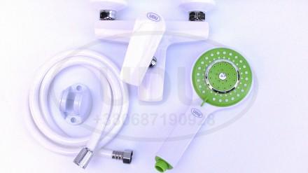 Белый смеситель для ванны пластиковый смеситель UDU для душа зеленая лейка. Днепр. фото 1