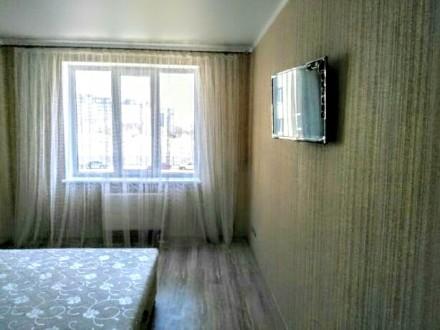 хорошая квартира в новом доме охроняемая придомовая территория современный ремон. Поселок Котовского, Одесса, Одесская область. фото 3