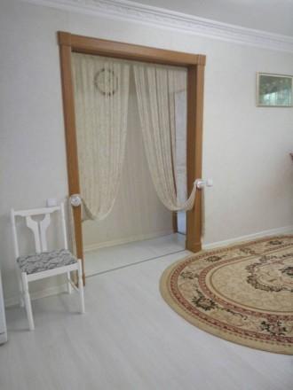 3х комнаная квартира с евроремонтом в Центре, 3й дом от Ушакова. Этаж 1\4, высок. Центр, Херсон, Херсонская область. фото 4