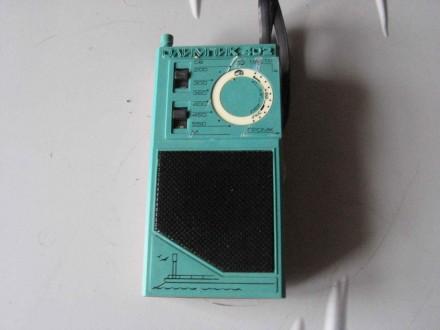 Радиоприемник сувенирный (транзистор)