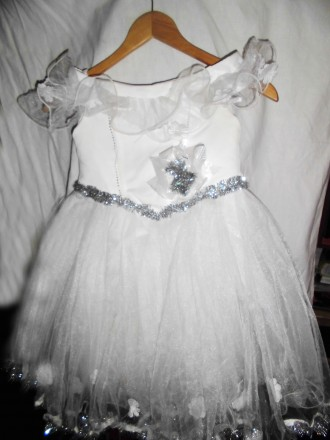Нарядное платье на девочку 6-8 лет .. Киев. фото 1