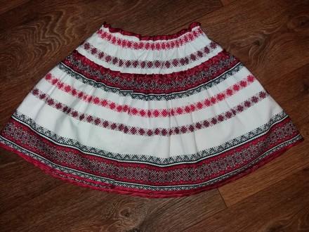 Продам очень красивую вышитую юбочку на девочку 8 -10 лет. Лозовая. фото 1