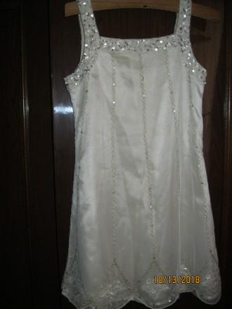 Продам очень красивое нарядное платье для девочки 6-6.5 лет р. 116см. Чернігів. фото 1